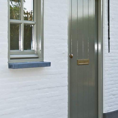 Jolanda Maurix | JOXAL interieur | Wandbekleding | Pure & Original | traditional-paint-olive-drab-quartz-kalei-mineral-white