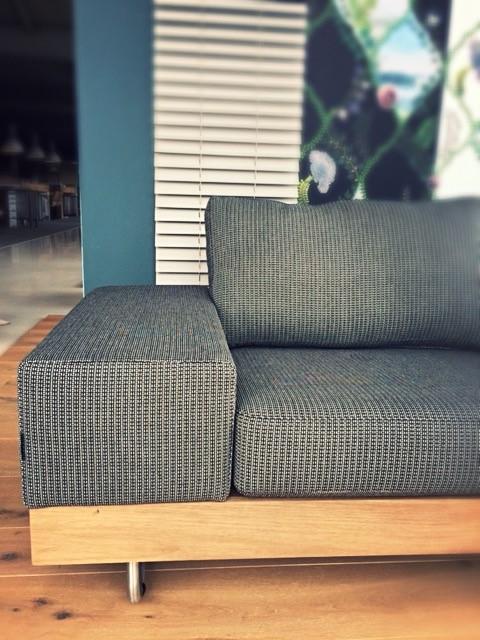 Op maat buitenmeubel | Bijzondere buitenbank | Lounge laten maken | Buitenbank laten maken | JOXAL interieur | voorheen Maurix interieur | Jolanda Maurix | Interieuradvies | Gordijnen | Shutters | Raamdecoratie | Wandbekleding | Verf | Behang | Stylist |