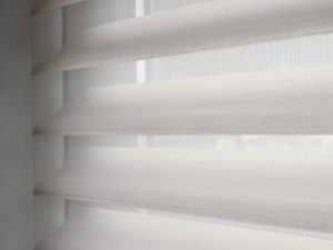 Silhouette shades   Raamdecoratie op maat   Luxaflex raamdecoratie   Luxaflex dealer   JOXAL interieur   voorheen Maurix interieur   Jolanda Maurix   Interieuradvies   Gordijnen   Shutters   Raamdecoratie   Wandbekleding   Verf   Behang   Stylist